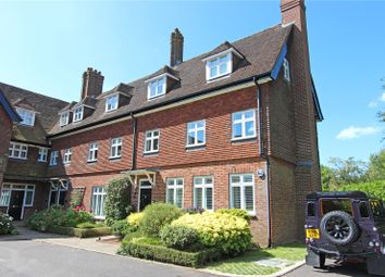 The Manor House, Eyhurst Park, Tadworth, Surrey KT20. 2 bed flat