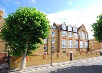Thumbnail 2 bed flat to rent in Tottenham Road, Islington