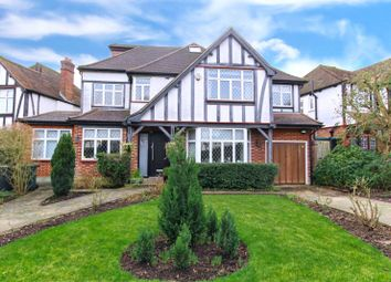 5 bed detached house to rent in Kings Drive, Edgware HA8
