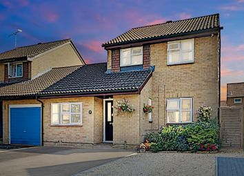 4 bed detached house for sale in Hawkswell Close, Woking GU21