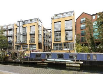 Thumbnail 3 bed flat to rent in Kingsland Road, Hackney