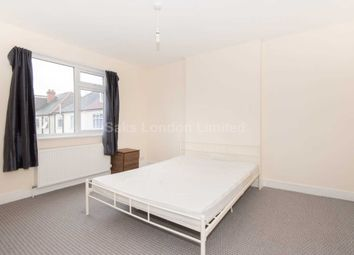 Room to rent in Kirkstall Gardens, London SW2