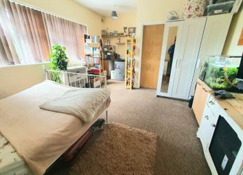 Branksome Wood Road, Bournemouth BH2. Studio to rent