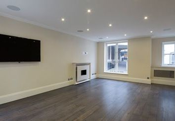Thumbnail 3 bed property to rent in Park Walk, London