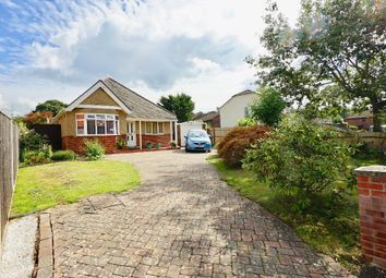 New Road, Netley Abbey, Southampton SO31. 3 bed detached house