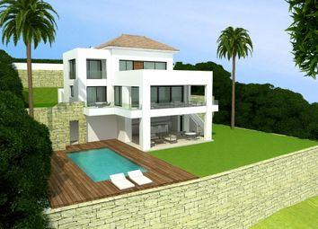 Thumbnail 5 bed villa for sale in El Paraiso, Estepona, Malaga