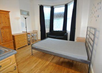 Thumbnail Studio to rent in Brondesbury Park, Willesden Green