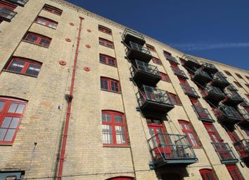 Thumbnail 1 bed flat to rent in Globe Wharf, Rotherhithe