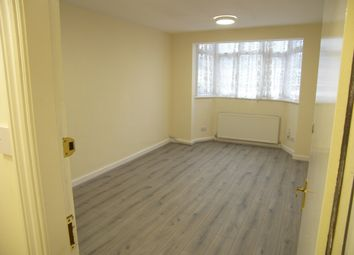 Thumbnail 1 bed flat to rent in Bradmore Green, Brookmans Park, Hatfield