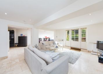 Thumbnail 3 bed flat to rent in St Ann's Villas, Holland Park