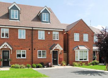 Thumbnail 3 bed town house for sale in Brackley Crescent, Warwick