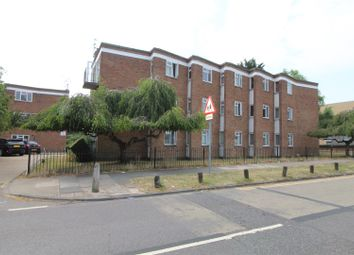 Avon Road, Cranham, Upminster RM14. 2 bed flat