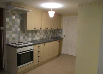 Thumbnail 1 bedroom flat to rent in Woodplumpton Road, Ashton-On-Ribble, Preston