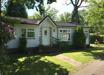 Thumbnail 3 bed mobile/park home for sale in Fangrove Park, Lyne, Chertsey