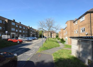 2 bed flat to rent in Cordelia Crescent, Borstal, Rochester, Kent ME1