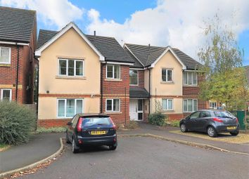 Thumbnail 2 bed flat to rent in Ella Garett Close, Reading