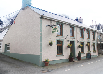 Thumbnail Pub/bar for sale in Gorsgoch, Llanybydder