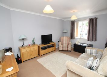 Thumbnail 1 bed flat to rent in Redhill Road, Hitchin