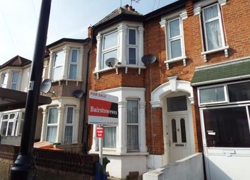 Thumbnail 2 bedroom flat for sale in Gladstone Avenue, London