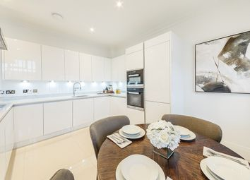 Thumbnail 2 bed flat to rent in Rainville Road, Fulham, London