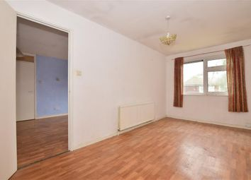 Mulberry Way, Ilford, Essex IG6. 1 bed flat