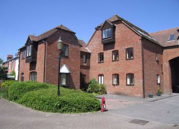 Thumbnail 1 bed flat to rent in Swan Court, Newbury