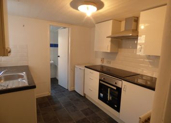 2 bed flat to rent in Tosson Terrace, Heaton, Newcastle Upon Tyne NE6