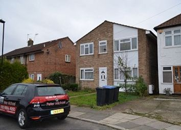 2 bed maisonette to rent in Briar Close, London N13