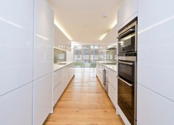 Thumbnail 4 bed property to rent in Pangbourne Avenue, London