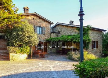 Thumbnail Leisure/hospitality for sale in Urbino, Marche, Italy