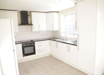 3 bed terraced house to rent in Penbury Road, Hounslow UB2