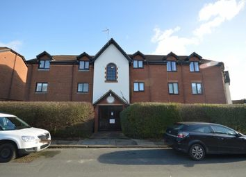 Thumbnail 2 bedroom flat to rent in Cromwell Road, Letchworth Garden City