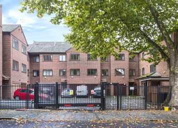Thumbnail 4 bed detached house to rent in St Helen's Gardens, London