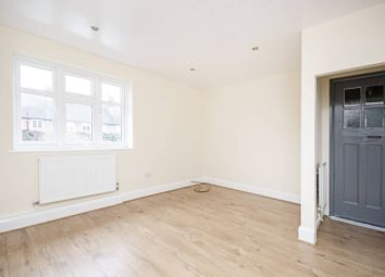 Thumbnail 2 bedroom flat for sale in Addison Way, Hampstead Garden Suburb, London