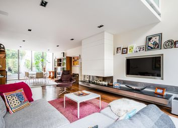 Thumbnail 4 bedroom terraced house for sale in Haven Mews, Islington