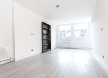 2 bed flat to rent in Farringdon Road, London EC1M