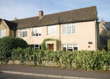 Thumbnail 2 bed cottage for sale in St. Marys Close, Kidlington
