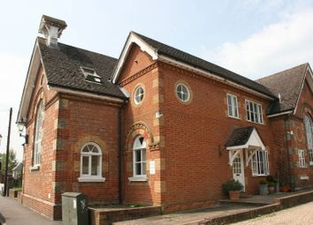 Thumbnail 1 bed flat to rent in Lingfield Road, Edenbridge