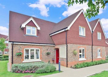 Thumbnail 2 bed cottage for sale in Poplar Court, Horsham, West Sussex