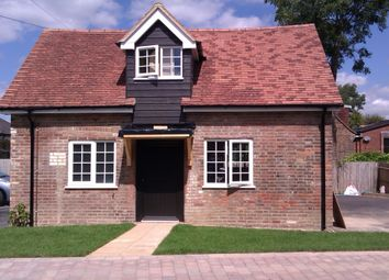 Thumbnail 1 bed cottage to rent in Mill Hill, Edenbridge