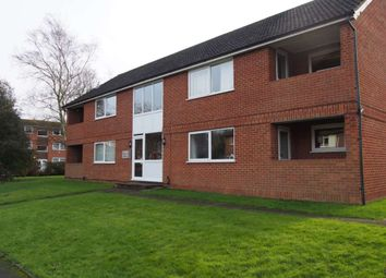 Thumbnail 2 bed flat to rent in Ray Park Road, Maidenhead