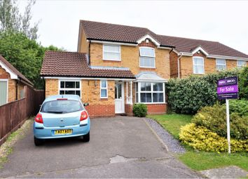 Thumbnail 3 bed detached house for sale in Snowdrop Copse, Thatcham