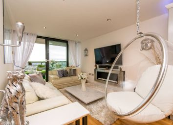 Thumbnail 2 bed flat for sale in Kingsway, North Finchley