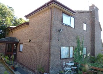 Thumbnail 2 bed flat to rent in Wykeham Road, Hastings
