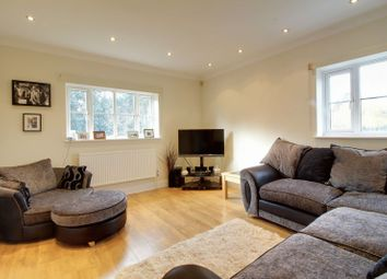 Thumbnail 2 bedroom maisonette for sale in Firs Wood Close, Northaw, Potters Bar