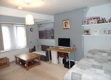 Thumbnail 1 bed flat to rent in Ashlake Road, Steatham