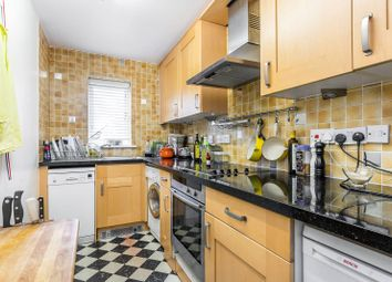2 bed flat to rent in Cranleigh Court, Kew, Richmond TW9
