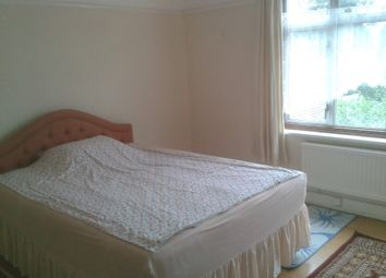 Thumbnail Room to rent in Bassett Gardens, Osterley, Isleworth