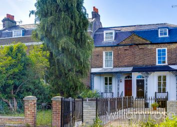 High Road, Woodford Green IG8. 2 bed terraced house