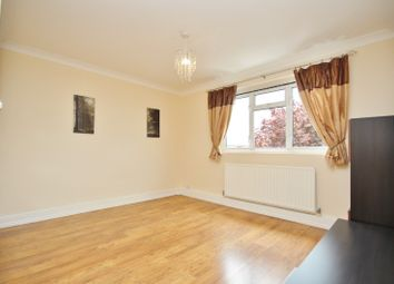 Thumbnail 1 bed flat to rent in Ravensbourne Cresecent, Harold Wood